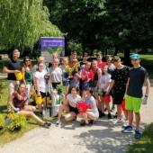 Uczniowie SP8 i Prezydent Miasta Zgierza na terenie Szpitala Wojewódzkiego w Zgierzu