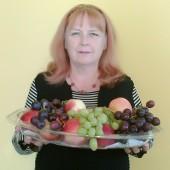 Kobieta z owocami - fot. Liga Kobiet Polskich Zgierz