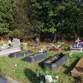 Groby na cmentarzu komunalnym w Zgierzu