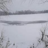 Zamarznięty zbiornik wodny na Malince