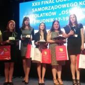 """Zdjęcie finalistów XXII edycji Ogólnopolskiego Konkursu """"8 Wspaniałych"""" (fot. Tomasz Miśkiewicz)"""