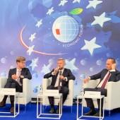 Przemysław Staniszewski jako prelegent w Krynicy-Zdroju