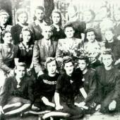 Zdjęcie dawnych pracowników