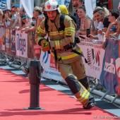strażak podczas zawodów - fot. Kasia Meger