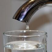 Woda z kranu - fot. pixabay.com (domena publiczna)