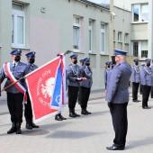 Uroczystości na dziedzińcu Komendy Powiatowej Policji w Zgierzu